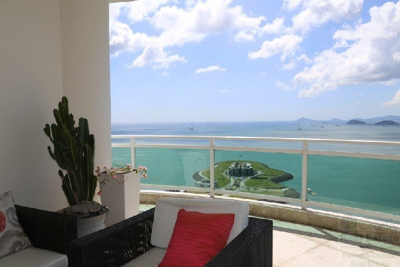 Luxurius Ocean view Condo in Bahia Pacifica for sale, PAMAMA