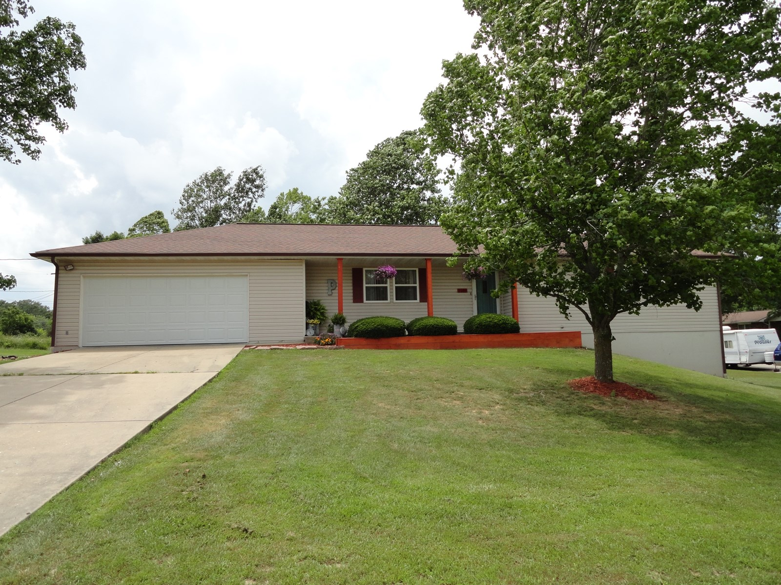 RANCH STYLE HOME IN SALEM MISSOURI!