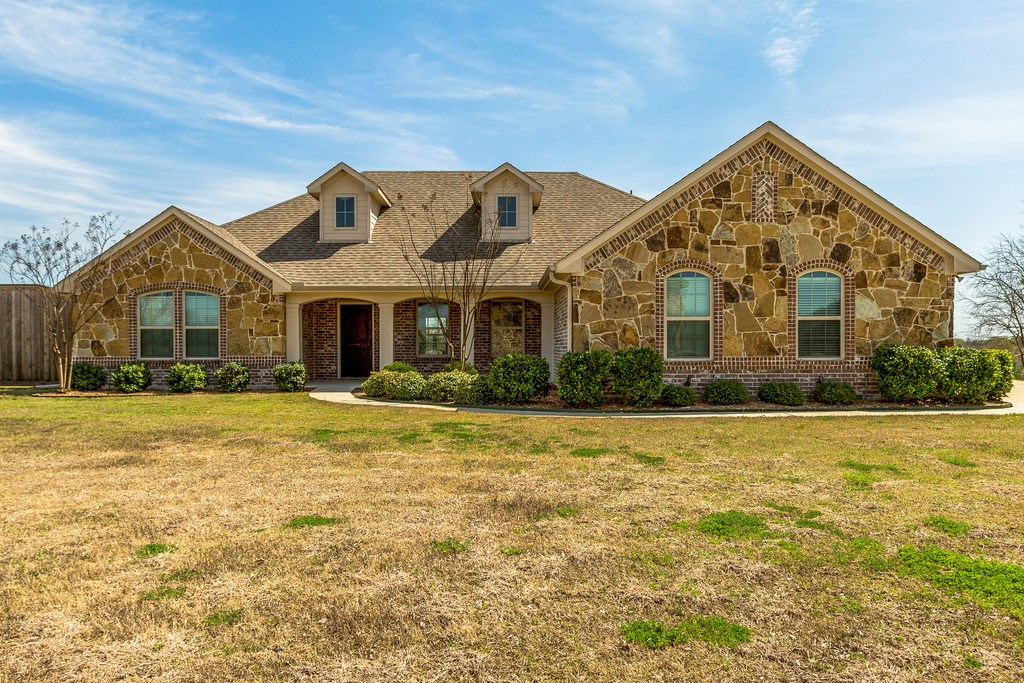 Custom Home For Sale in Royse City, Texas