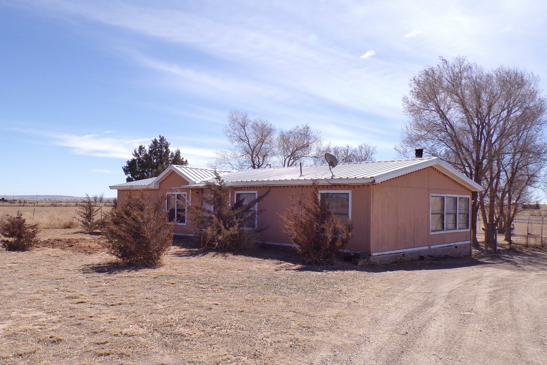 Country Home For Sale near Moriarty NM Family Home