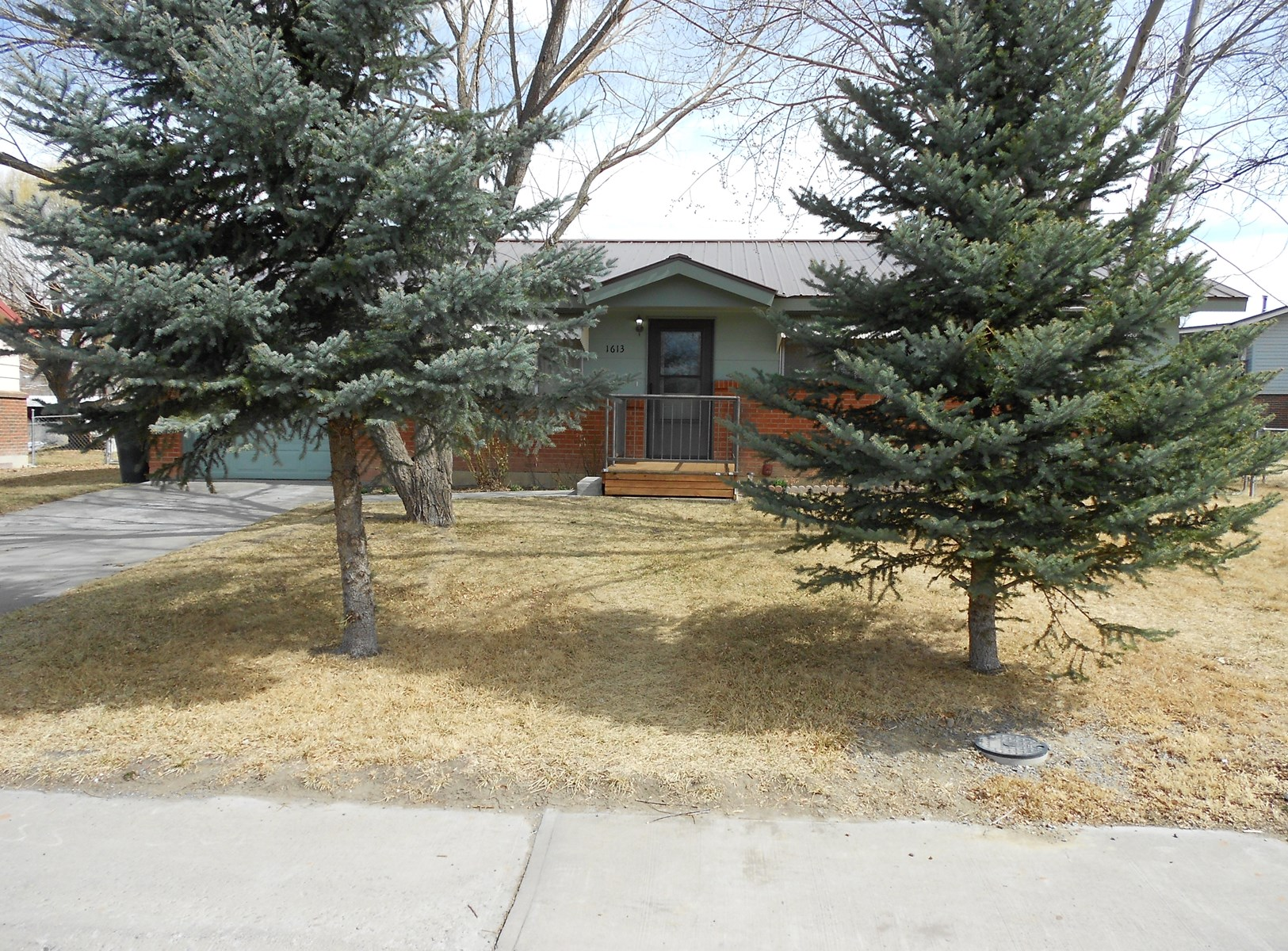 Home For Sale in Town Close to Parks Montrose Colorado