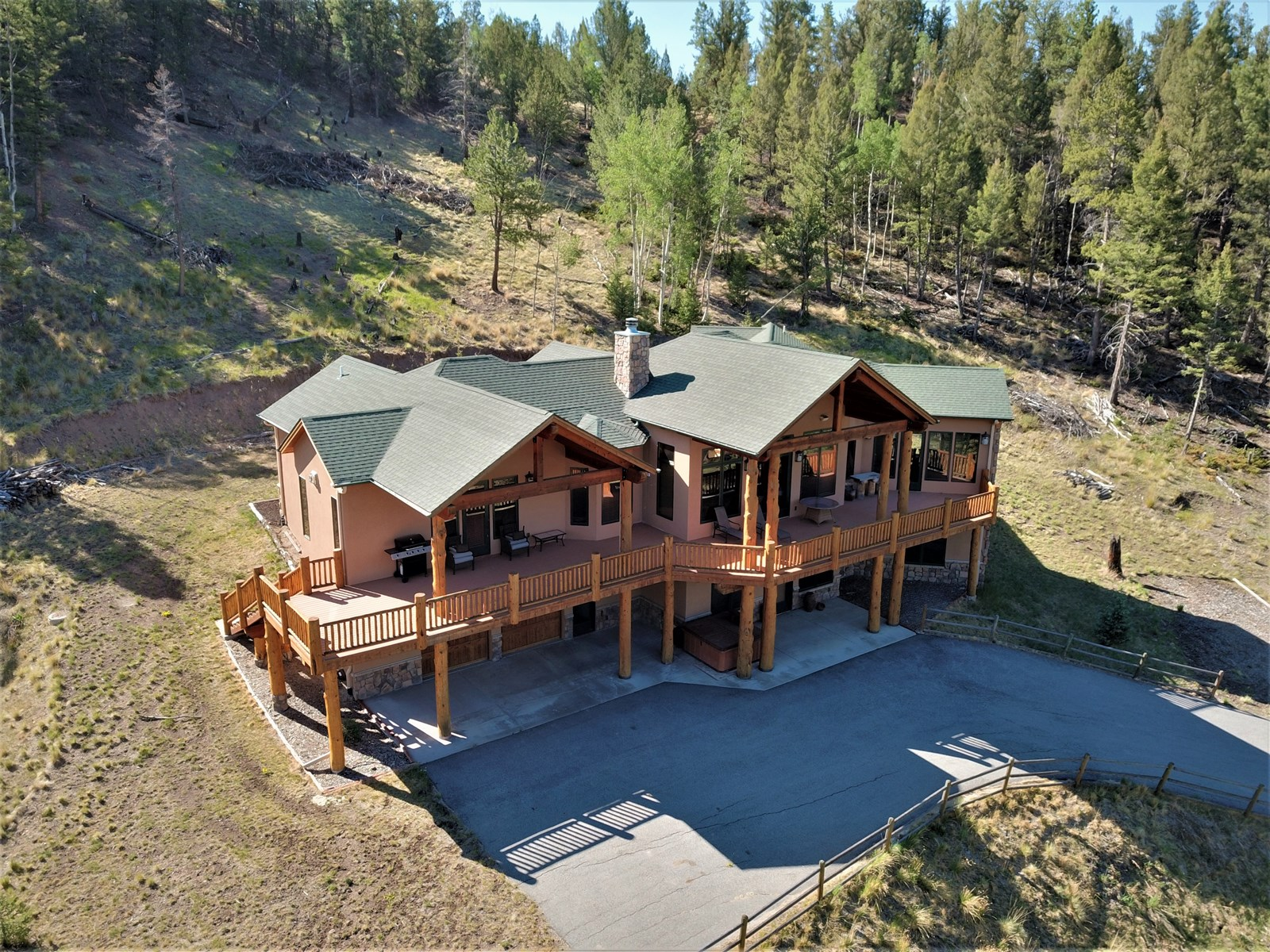 Custom Mountain Home For Sale w/60 Acres, Water & Views
