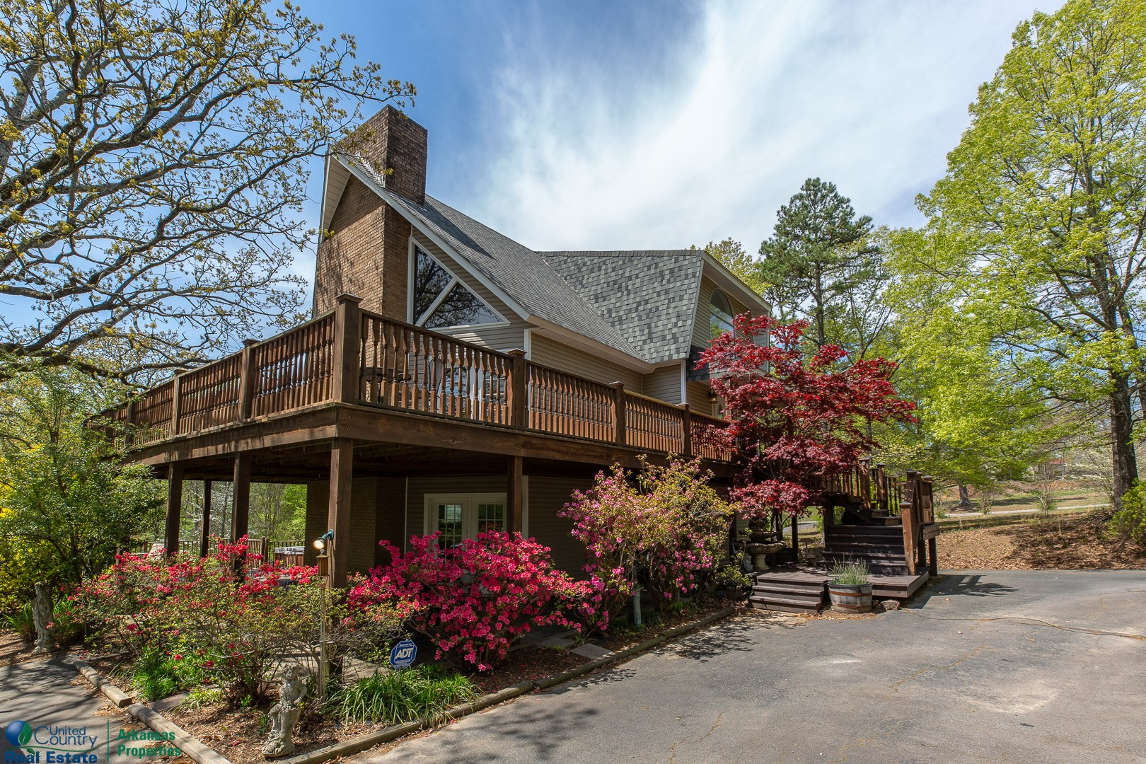 Multi-level Bed & Breakfast in Ouachita Mtns. of Arkansas
