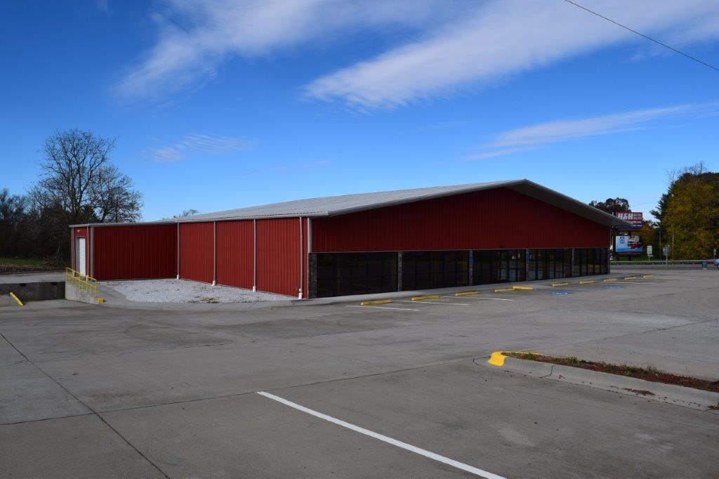 Large Commercial Building For Auction in Woodlawn VA
