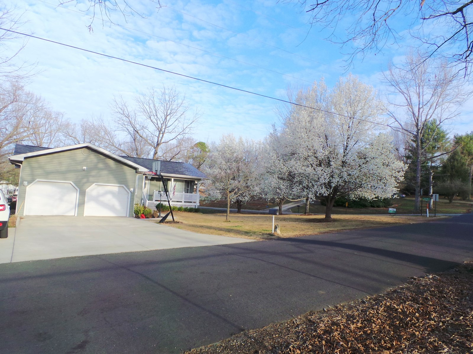 Bull Shoal Lake Town Home For Sale