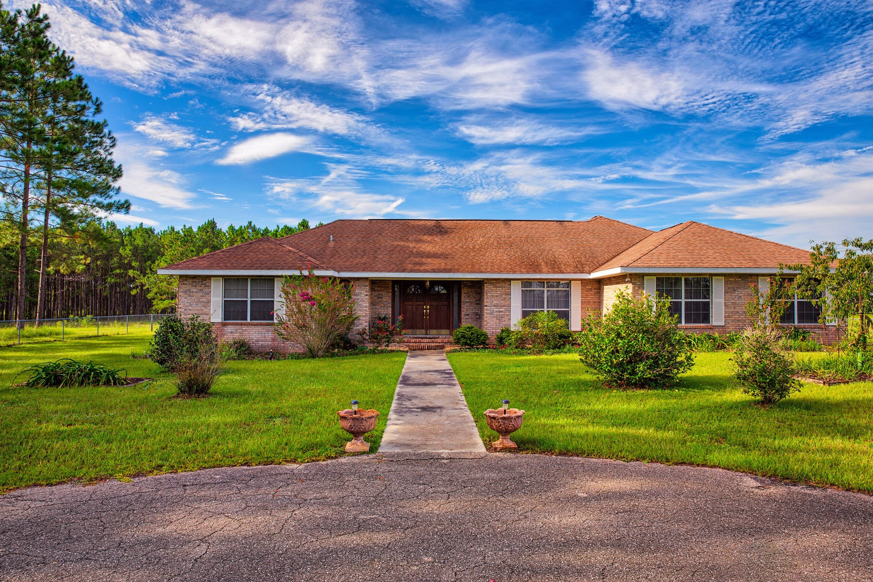 BEAUTIFUL BRICK HOME WITH ACREAGE - NEWBERRY, FL