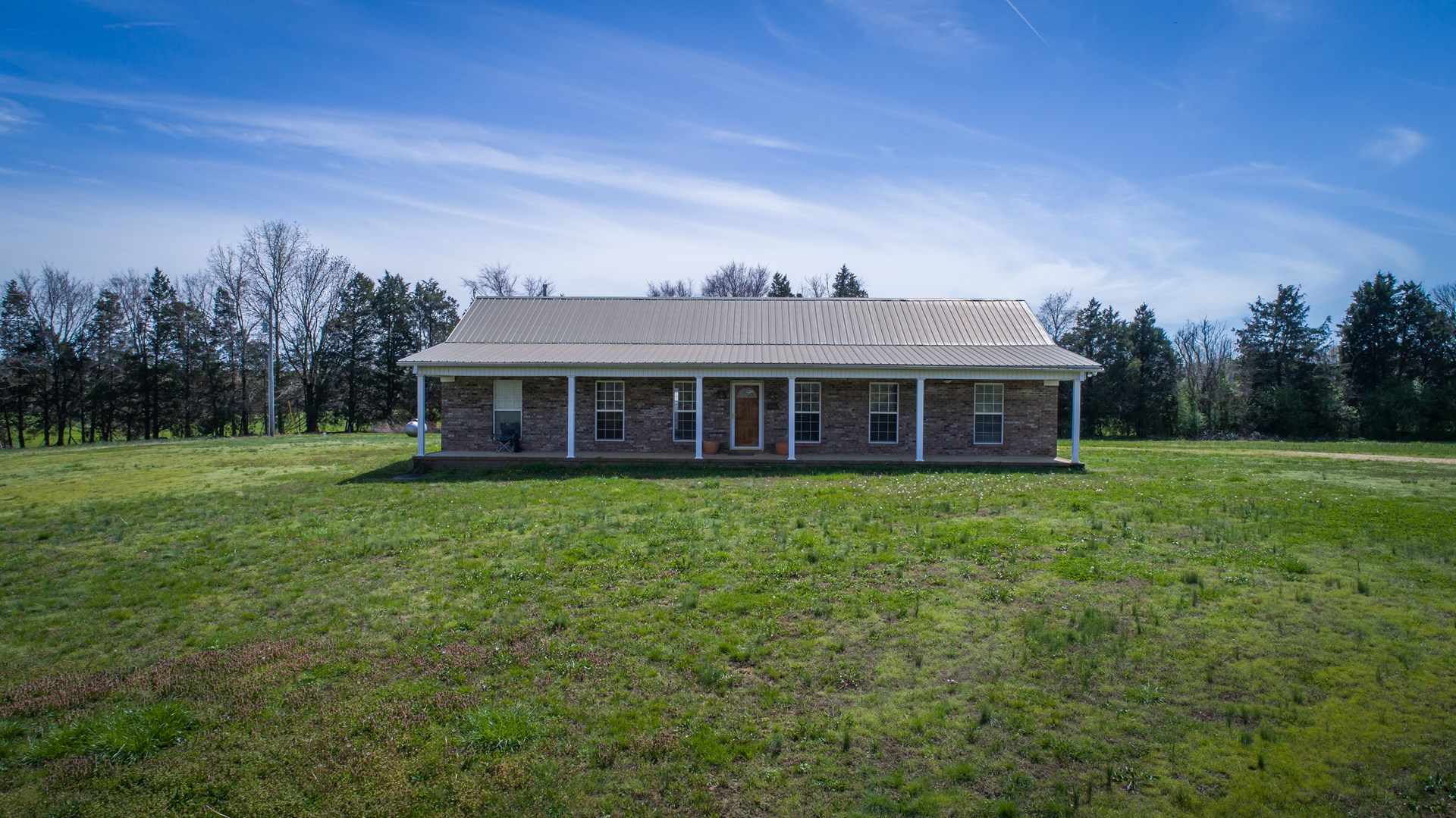 FARM IN TENNESSEE FOR SALE W/ CROP LAND, BARN, RIDING ARENA