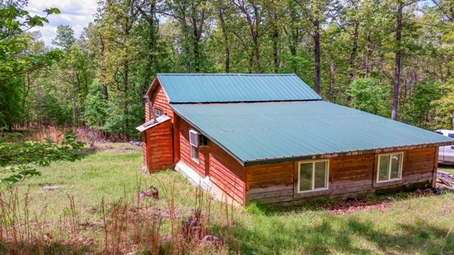 CABIN FOR SALE NEAR CROOKED CREEK & WHITE RIVER