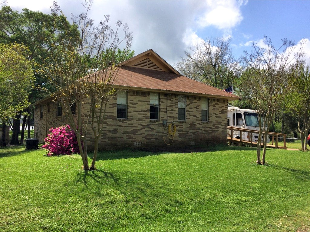 LAKE PALESTINE LAKEFRONT HOME FOR SALE, DEEP WATER CANAL