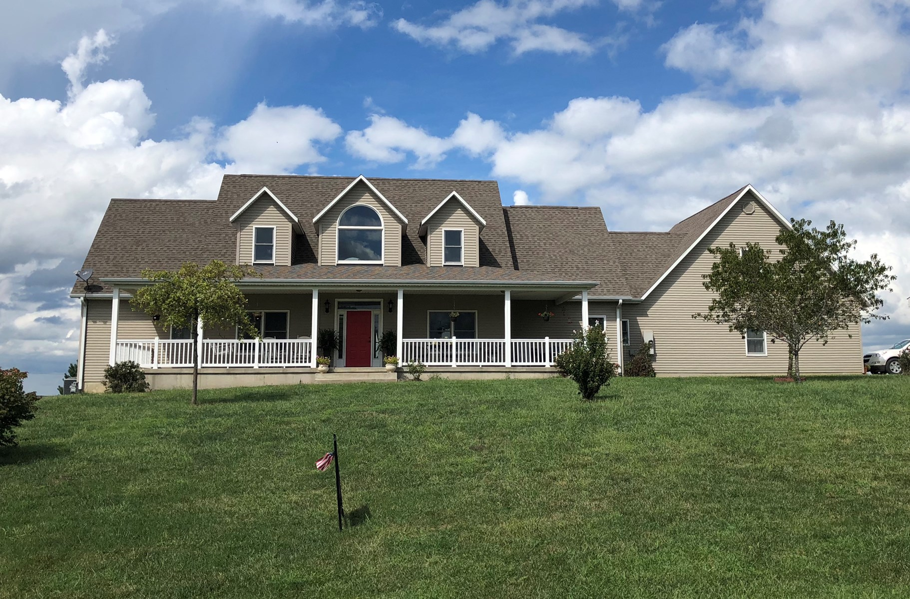 Gorgeous 5 Bedroom Home Right Outside of Atchison