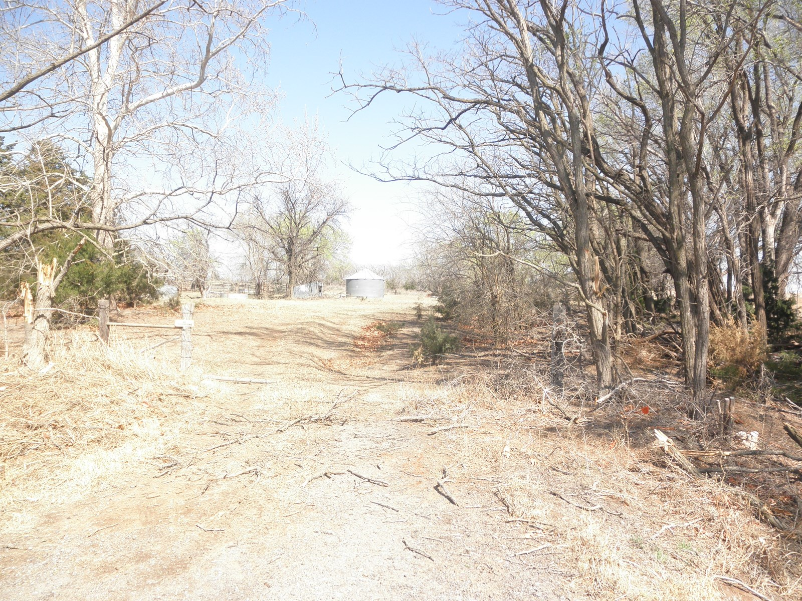 HUNTING AND FARMING LAND FOR SALE