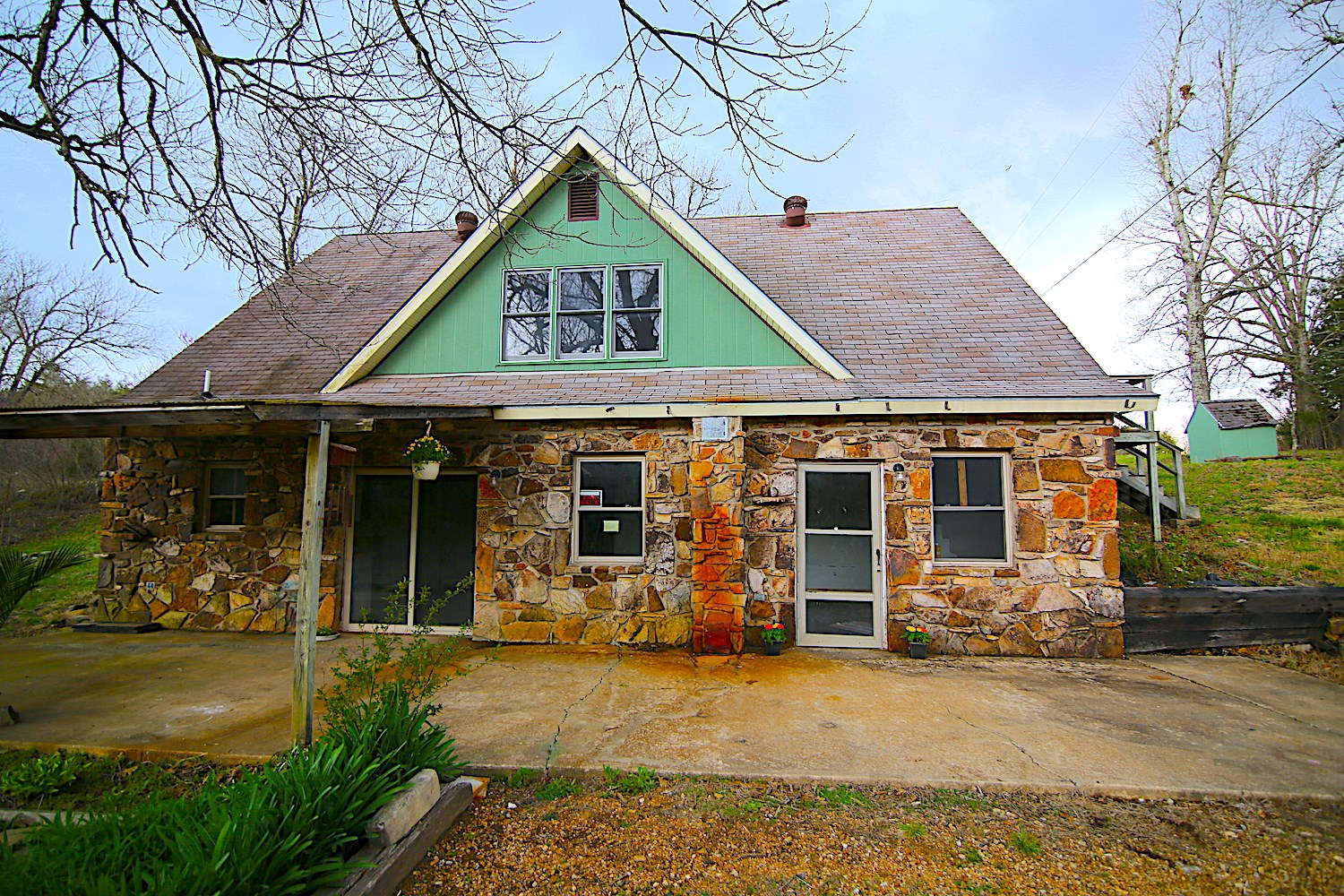Home with Acreage and Creek for sale Fulton County, AR