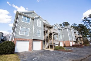 NC CONDO IN A WATERFRONT COMMUNITY WITH GOLF AND BOATING