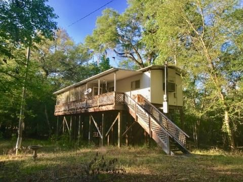 NICE HOME NEAR SUWANNEE RIVER, BELL FLORIDA
