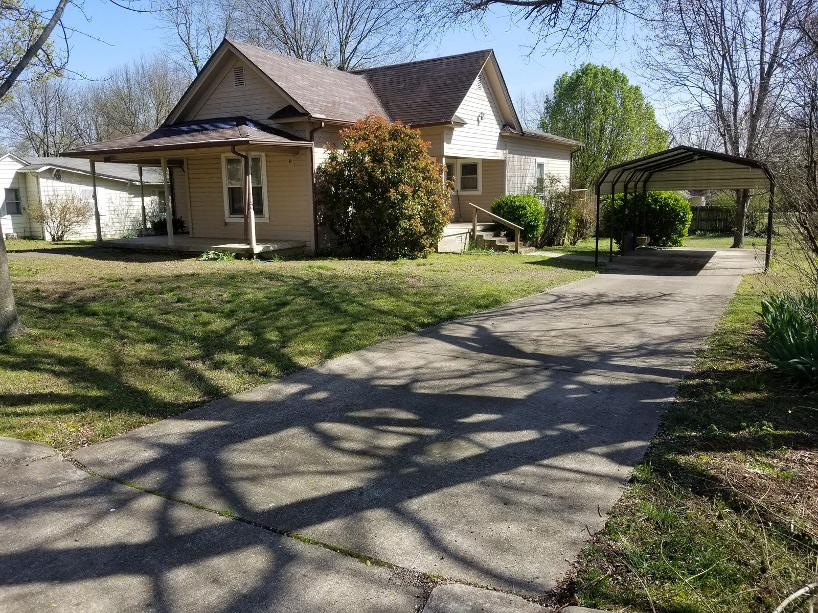 Home in Berryville near city square for sale