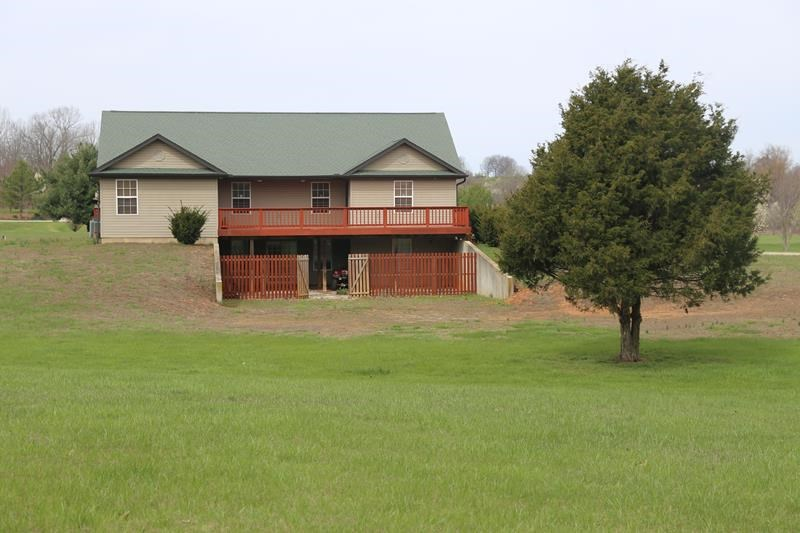 Home in Missouri Ozarks on 3 acres for sale