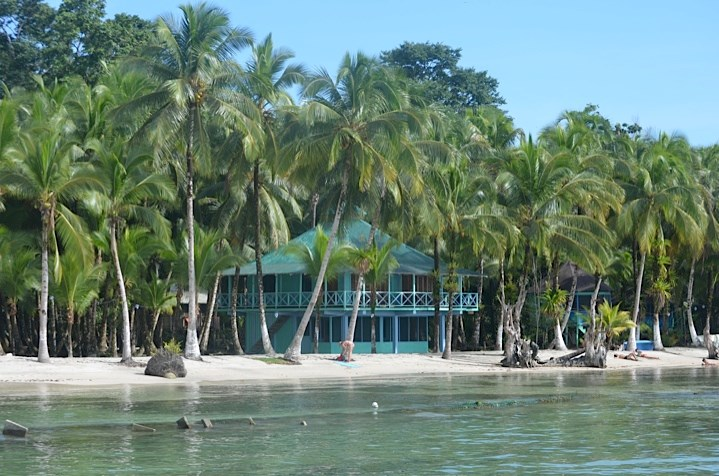 Oceanfront Resort on the beach Isla Carenero Bocas del Toro