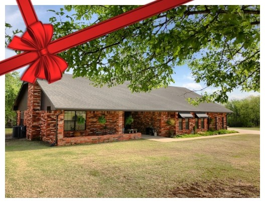 CUSTOM HOME FOR SALE IN COUNTRY CLUB ESTATES