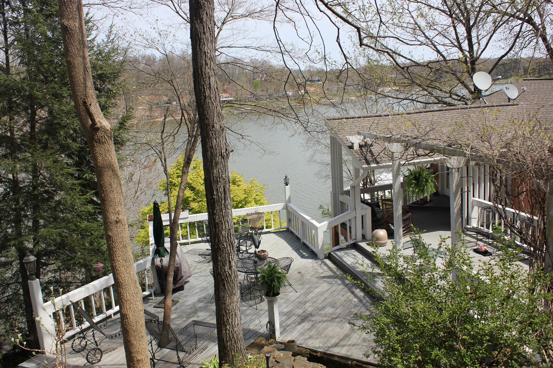 Kentucky Lake Waterfront Home For Sale