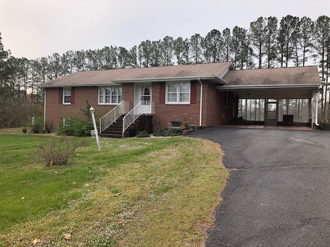 Brick Rancher w/Basement on 4.95 ac in Dinwiddie County, VA