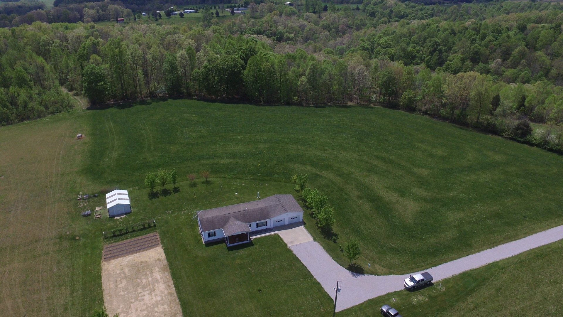 HOME WITH GARAGE & OUTBUILDING ON 6 ACRES - LIBERTY KENTUCKY