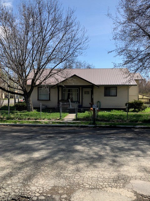 2 bedroom, 1 bath Home for Sale in Alturas