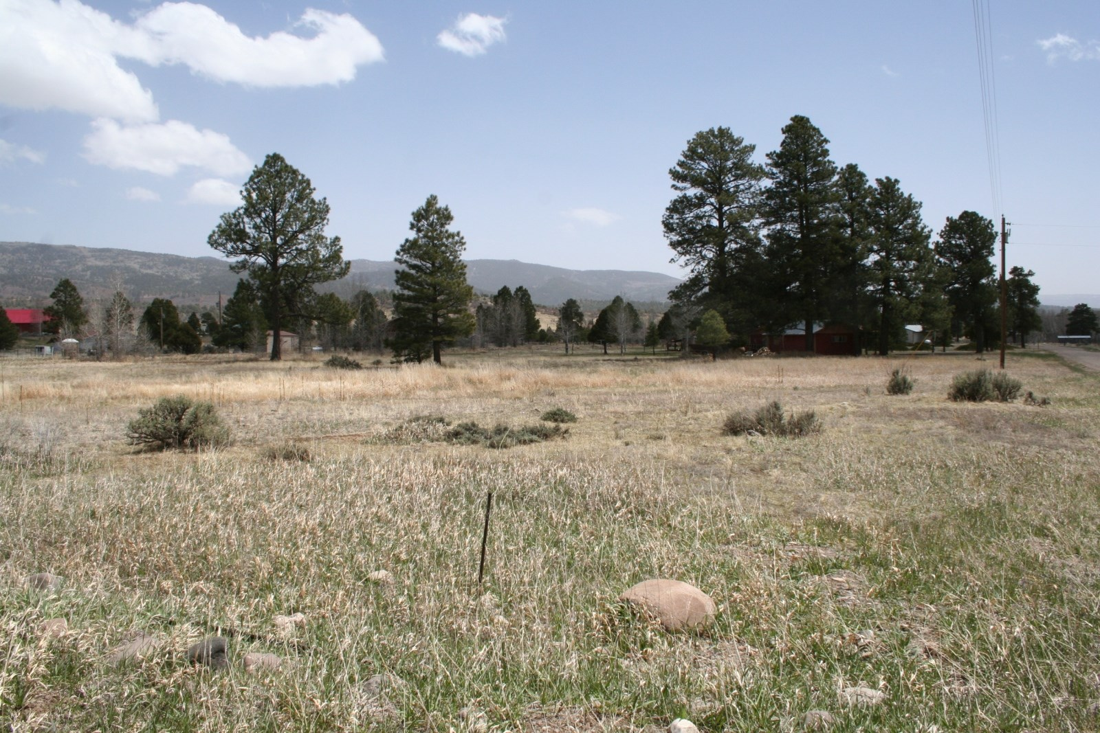 Land for sale min. from Chama River w/ great building site
