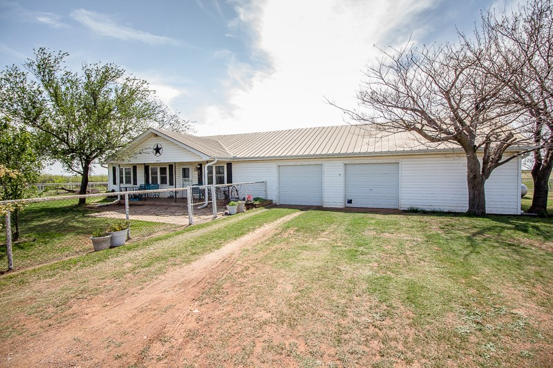 Country Homes For Sale 12 Acres Iowa Park TX Wichita County