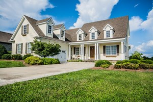 HOME FOR SALE IN ONE OF KENTUCKY'S FINEST GOLF COMMUNITIES