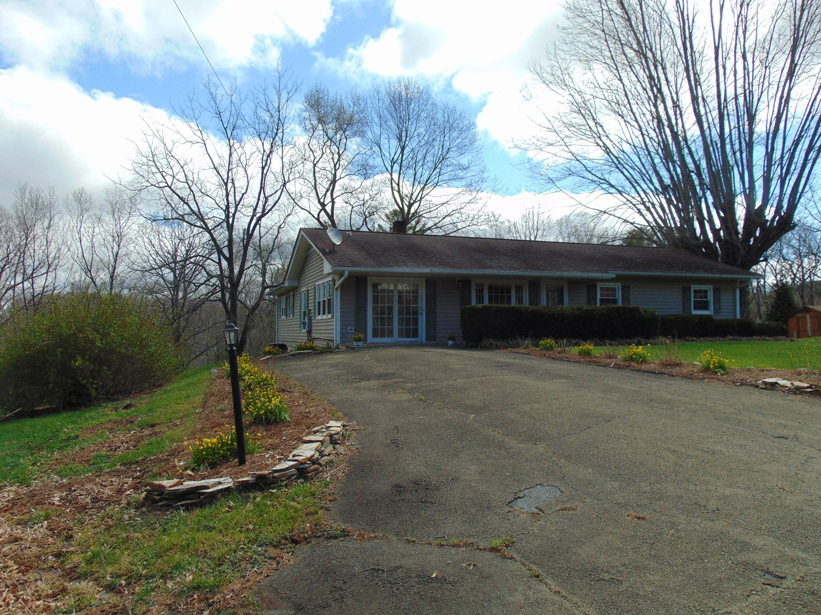 Home for Sale Close to Town of Sparta Little River Frontage