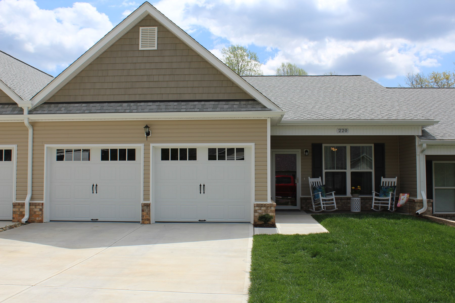 Home for sale in Pilot Mountain - Town Home