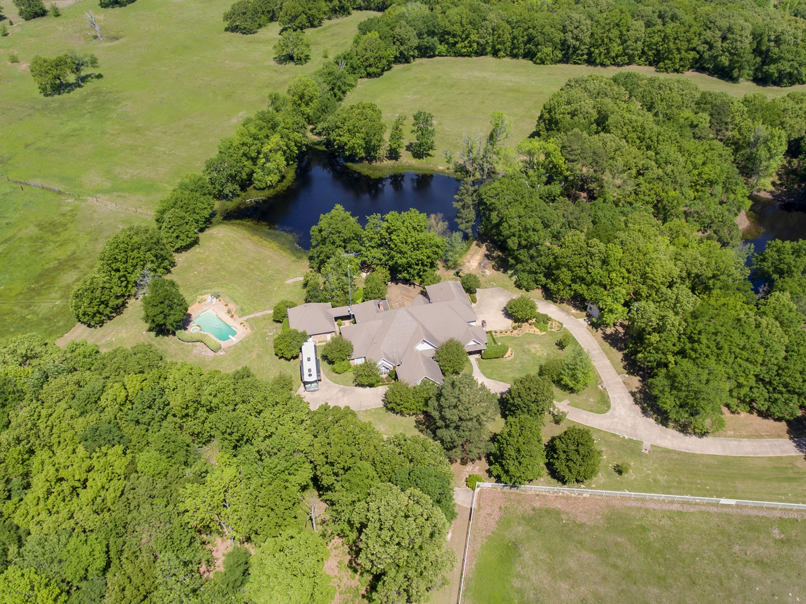 RANCH FOR SALE IN MINEOLA, TEXAS