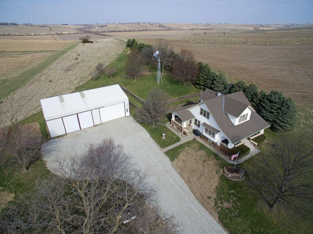 A MUST see acreage in Treynor!!