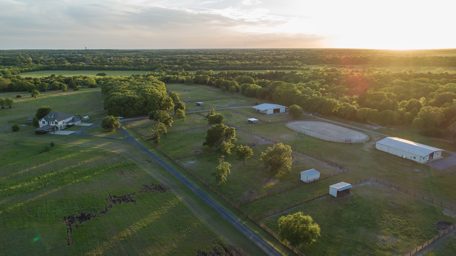EAST TEXAS LUXURY RANCH FOR SALE IN TERRELL, TEXAS