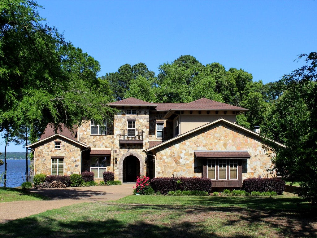 LUXURY WATERFRONT HOME FOR SALE LAKE PALESTINE EAST TX