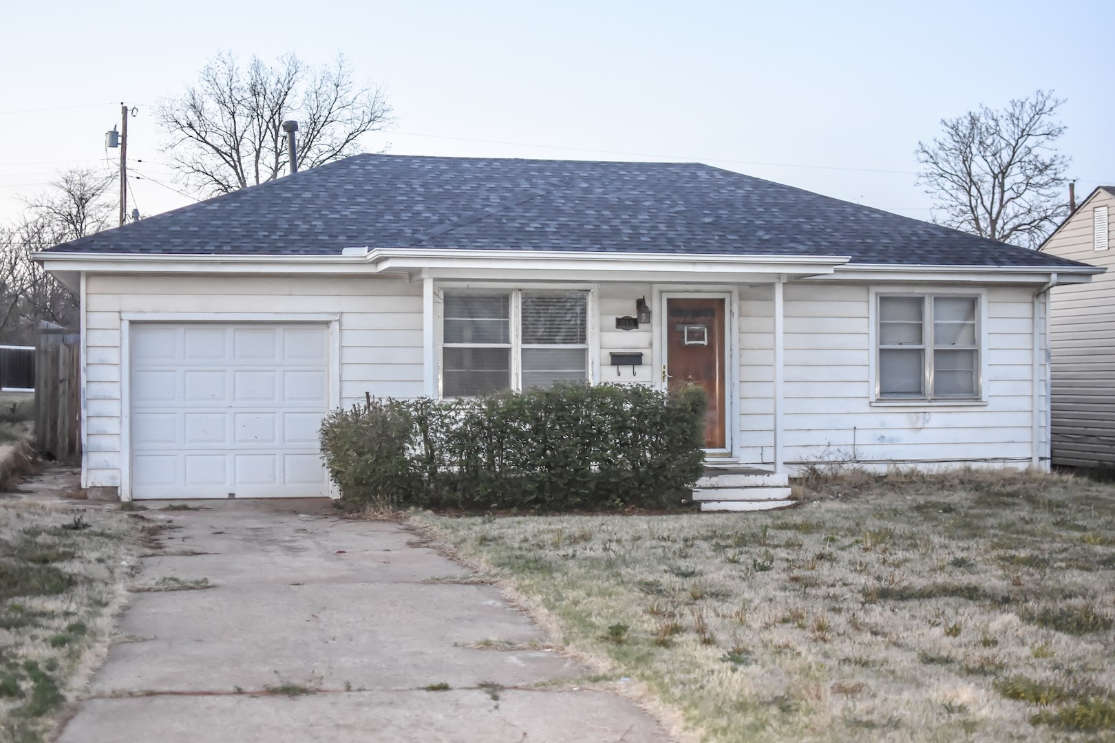 GREAT INVESTMENT PROPERTY PRICED TO SELL!