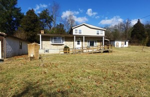 RESTAURANT & HOME IN THE BLUE RIDGE MOUNTAINS FOR SALE!