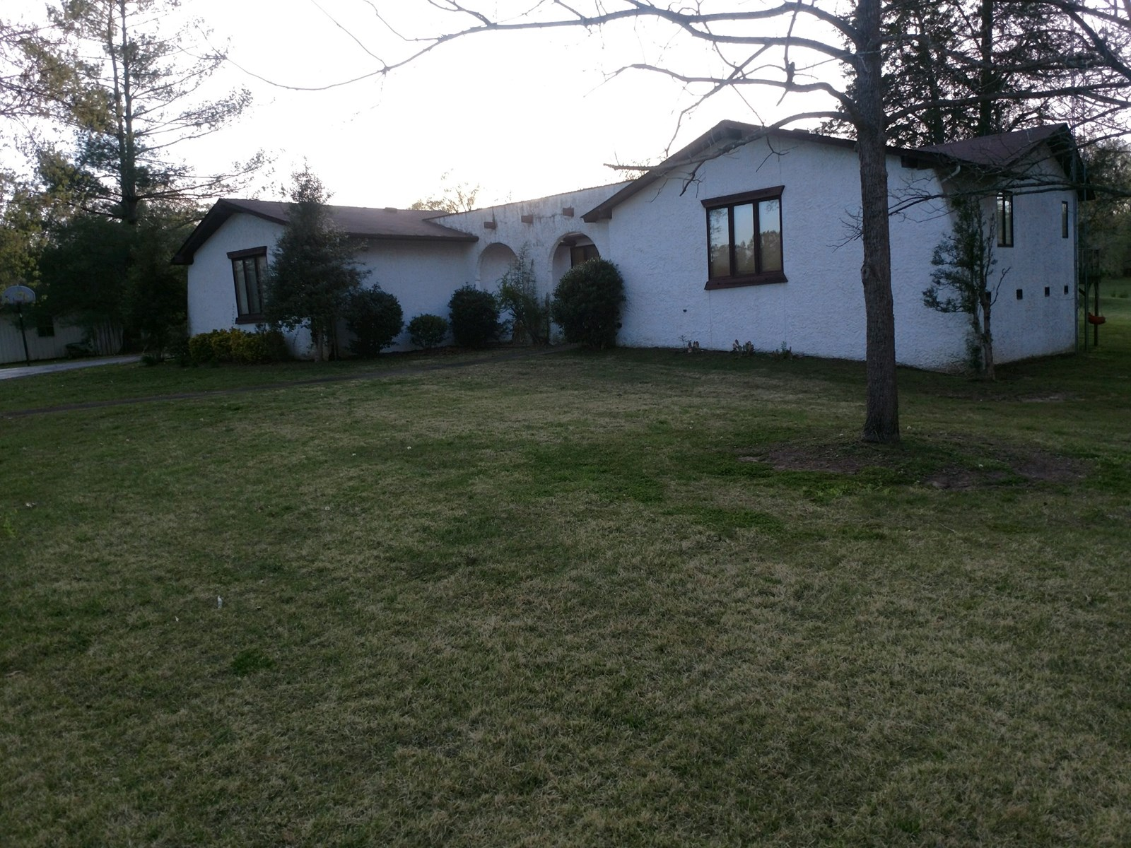 SOLD! PARIS HENRY COUNTY TN 19 AC HOME FISH LAKE SHOP