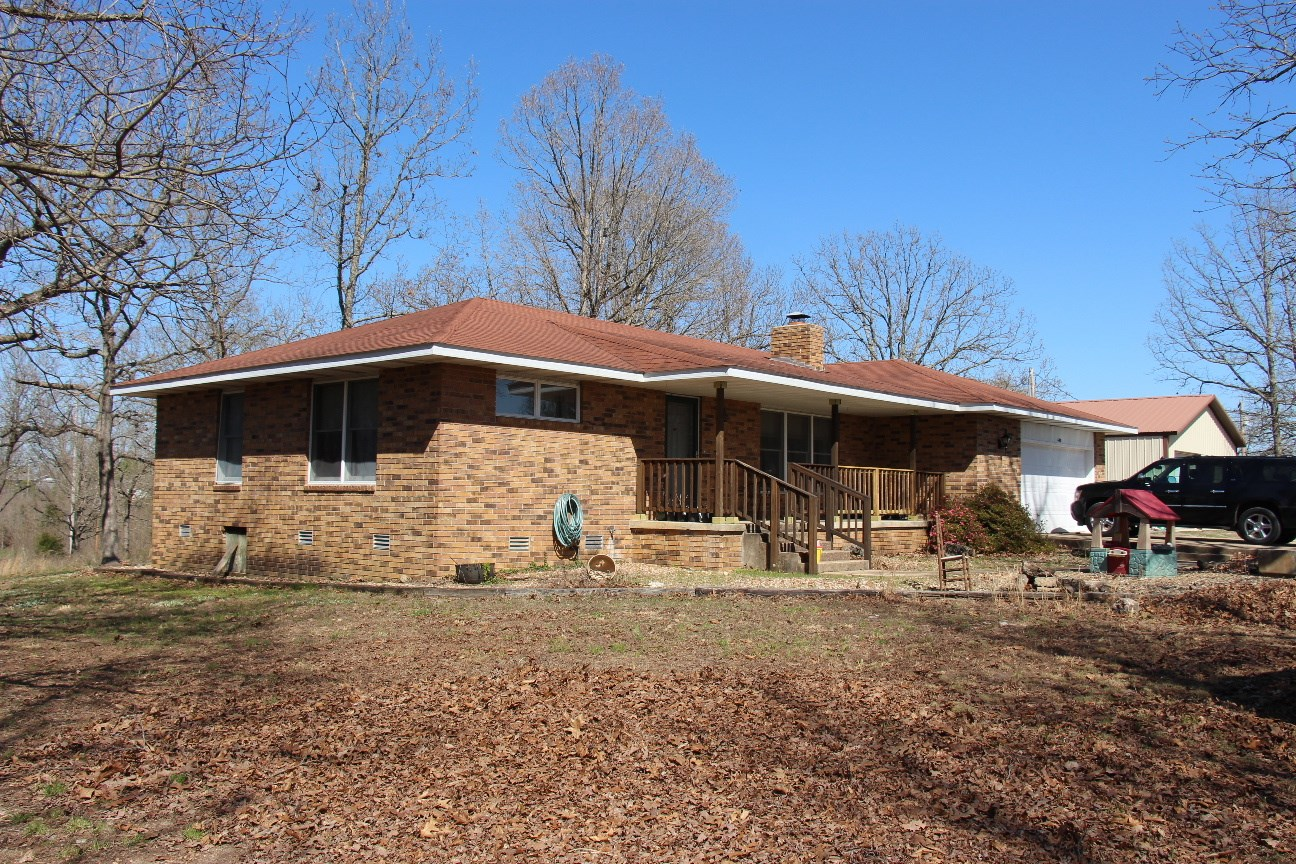 Gainesville, Missouri Country Home in the Ozarks