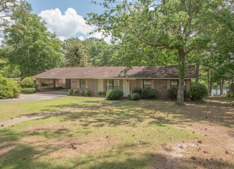 4B/2B BRICK HOME W LAKE VIEW FOR SALE GENEVA, AL