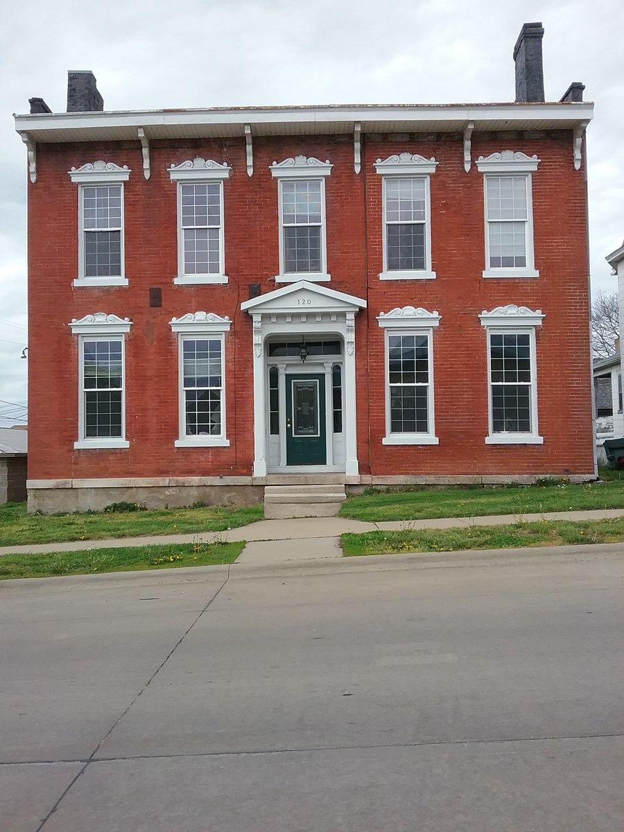 Historical Duplex for Sale in Keokuk, IA