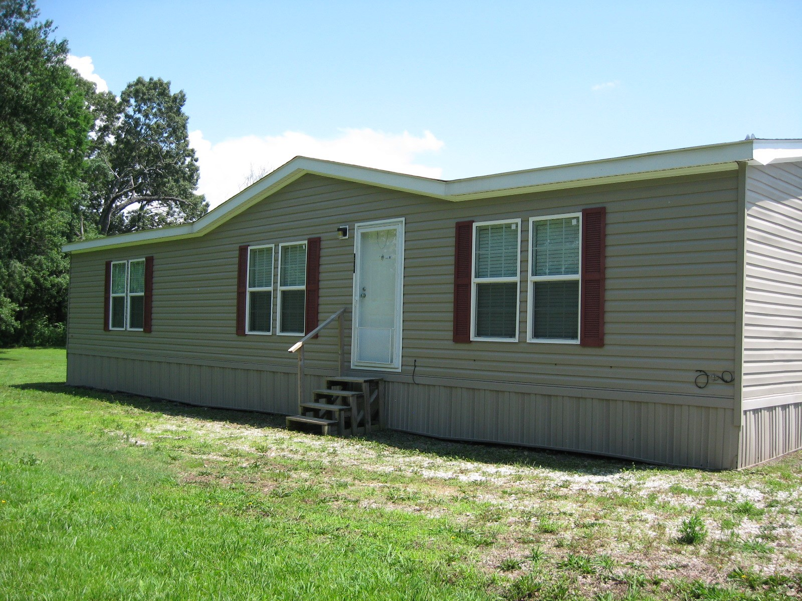 Like New Double Wide with 2.5 acres near Sallisaw OK