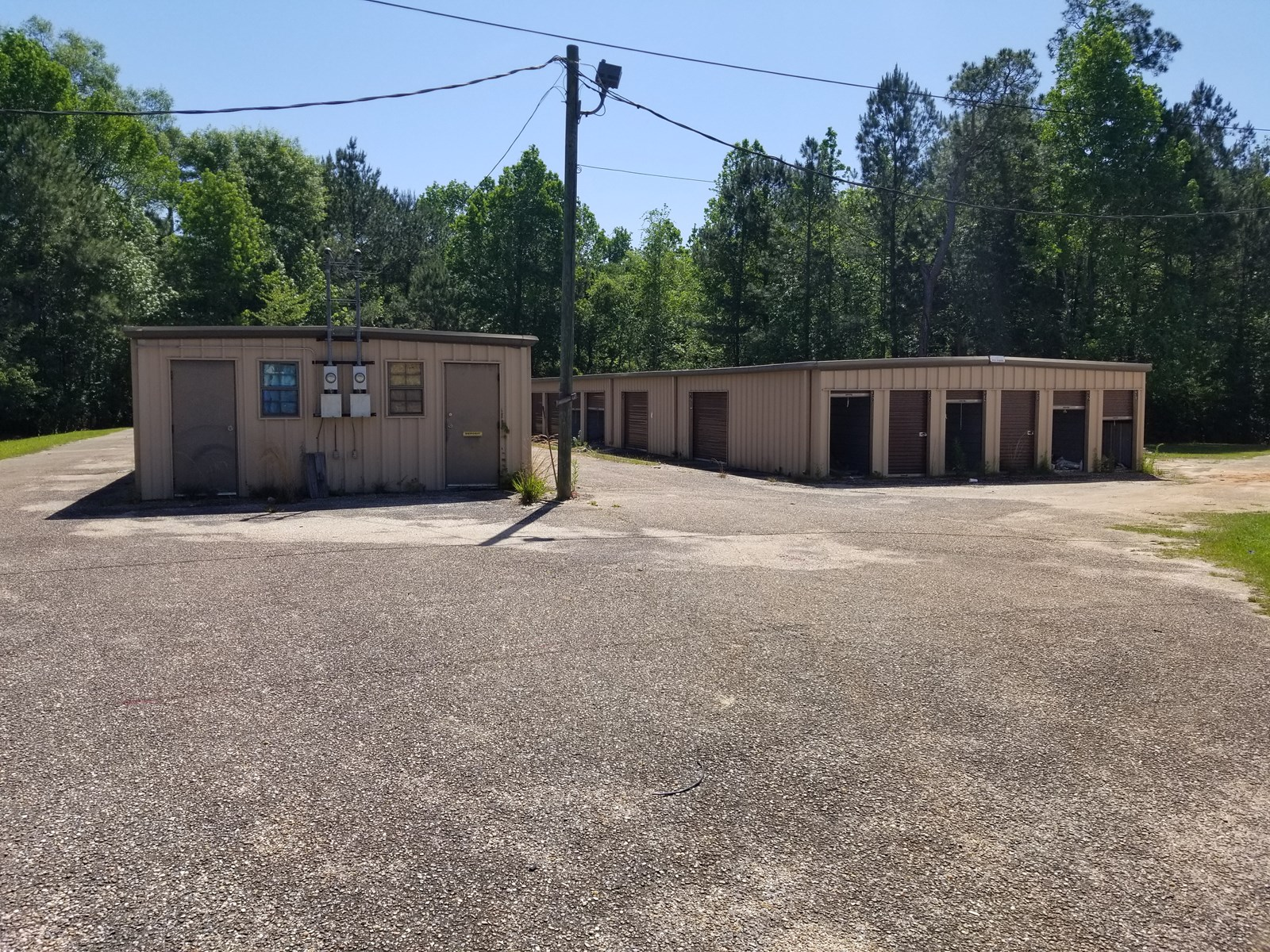 64 UNIT MINI WAREHOUSE STORAGE UNIT FOR SALE MALVERN, ALABAM