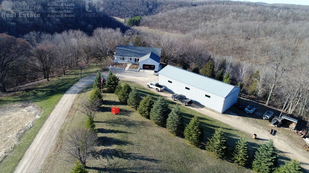 Country Home with Small Pond & Pasture in Richland County Wi