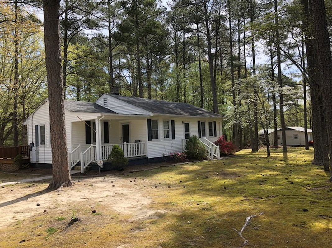 Neat Home on Pretty Lot in Town of McKenney, VA