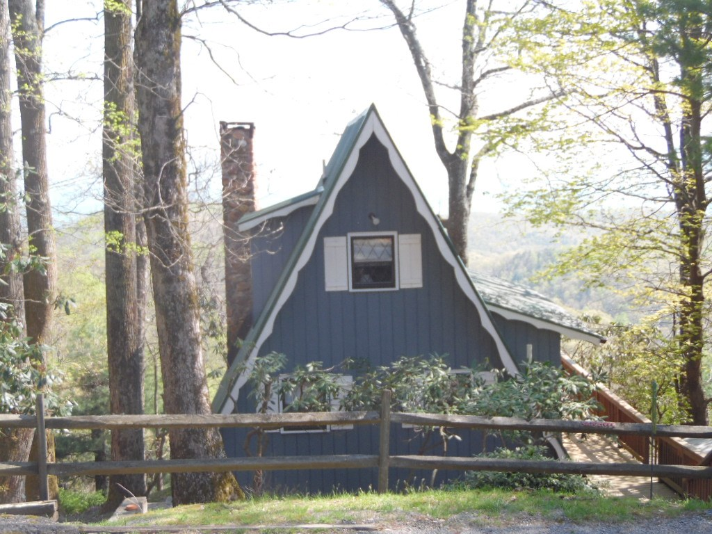 Blue Ridge Mountain Home with Views for Sale NC