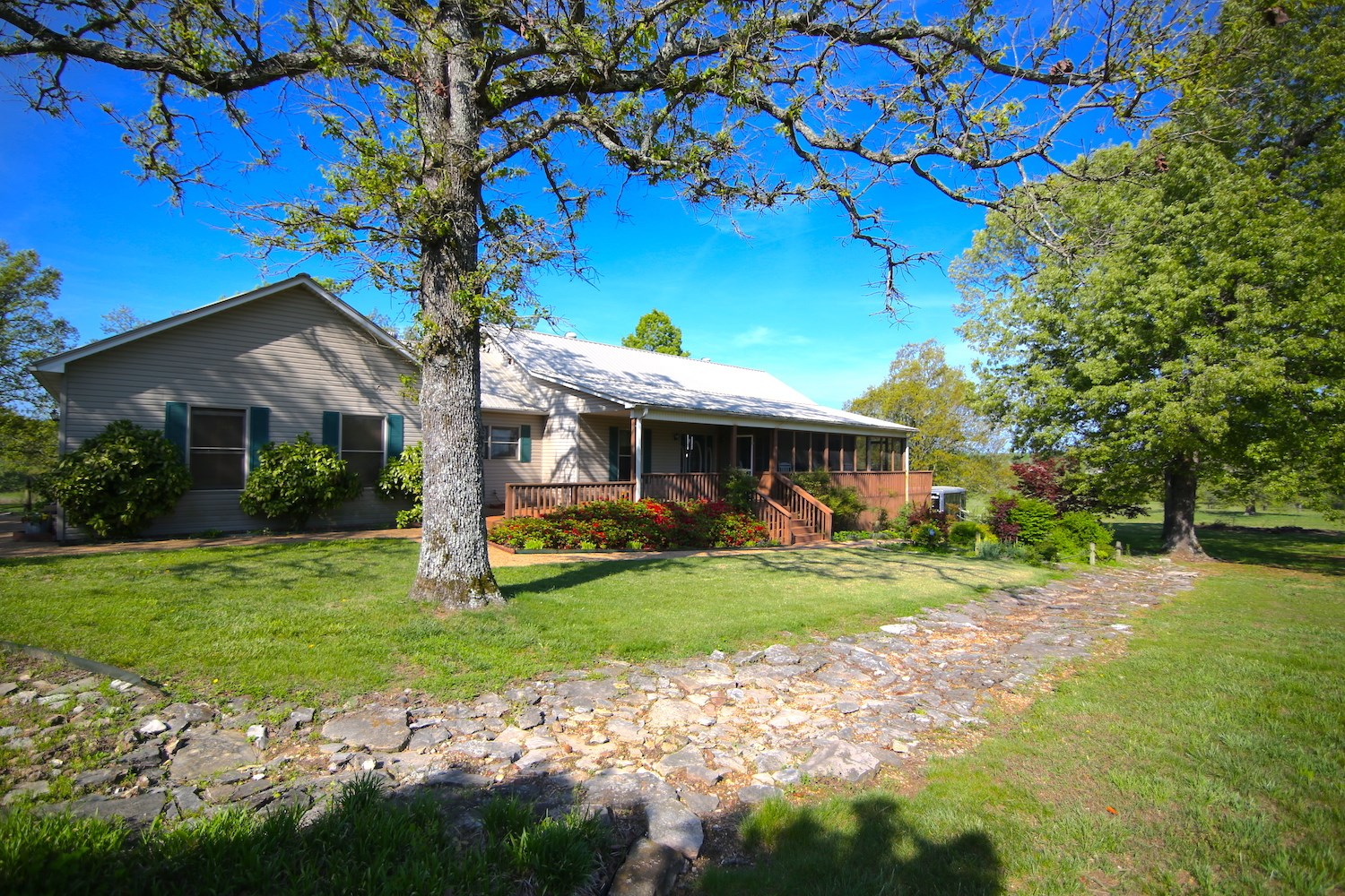 Arkansas Country Home, Shop & Acreage for Sale