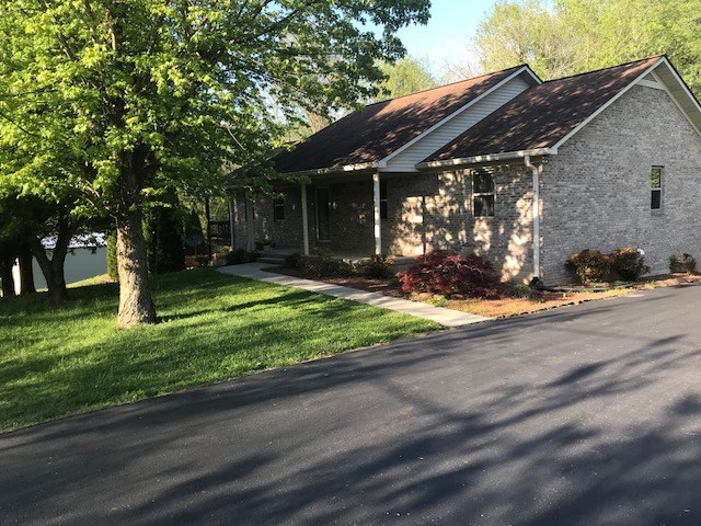 4 Br, 3 Ba home with in ground pool,  Albany, Kentucky