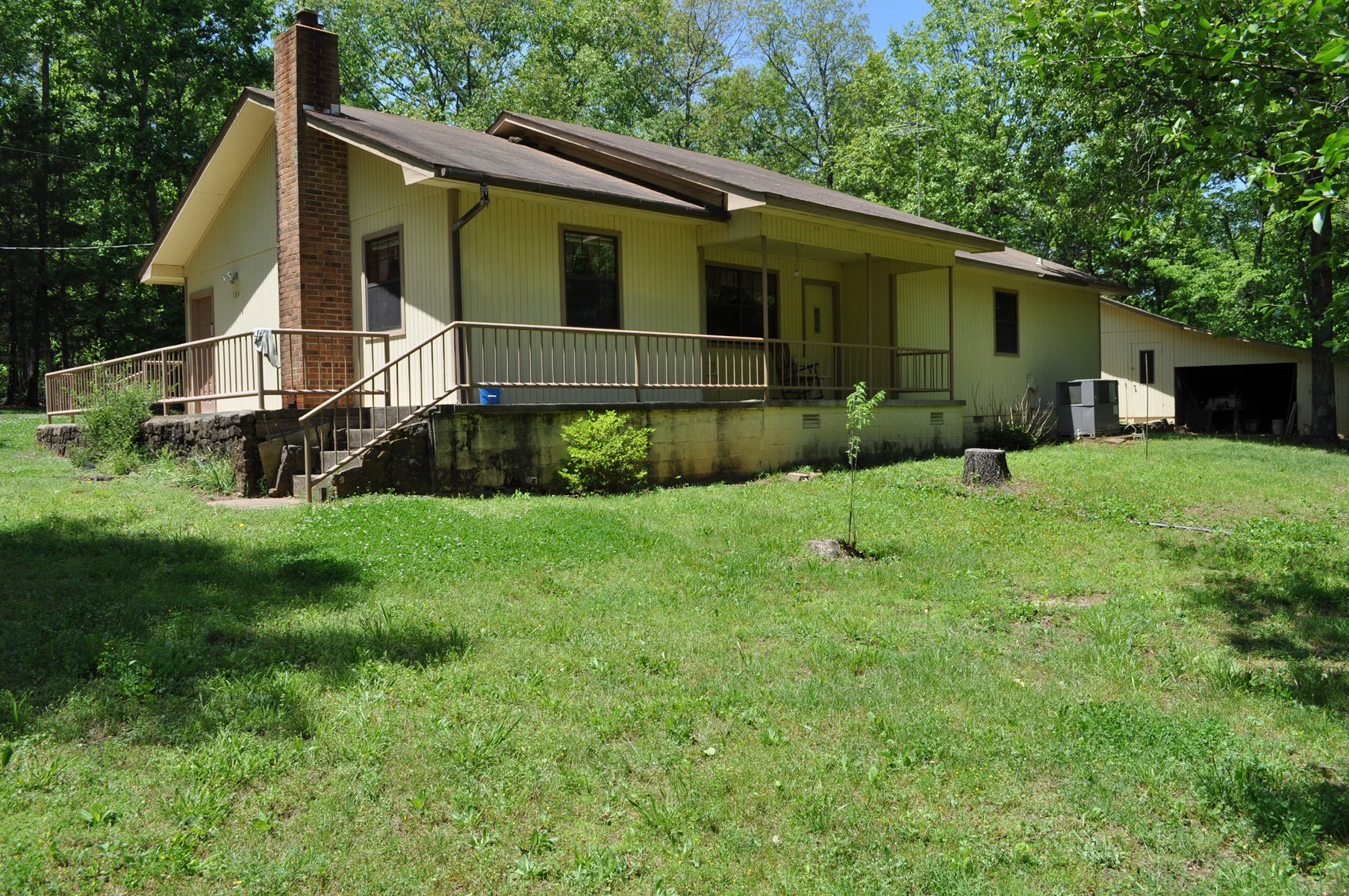 Country Home by Greers Ferry Lake For Sale!!