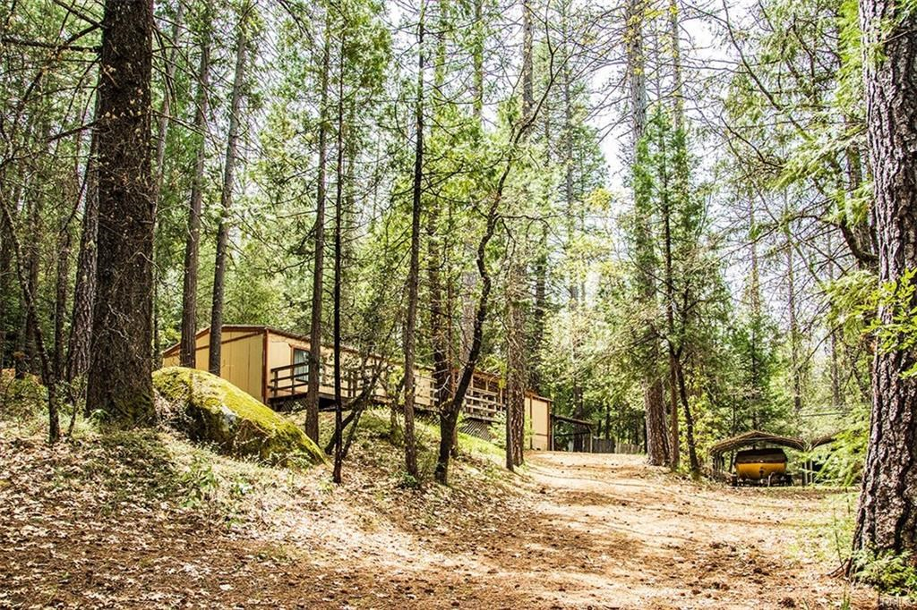 Berry Creek Mountain Retreat Property For Sale Above Lake